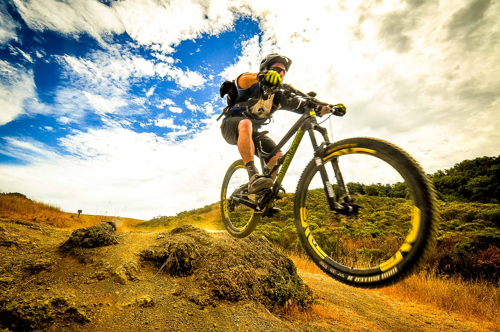 Best Mountain Bike Under 1000 Buyers Guide And Reviews Parts On To Absorb Bumps In A Road Shock Absorber With